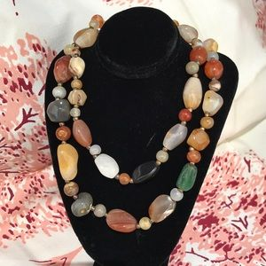 Jewelry - Vintage Polished Agate Quartz and Jade Necklace